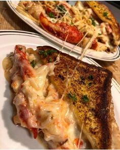 Garlic Bread Crab Grilled Cheese and Seafood Linguine Recipe Seafood Linguine, Linguine Recipes, Seafood Recipes, Pasta Recipes, Mexican Food Recipes, Vegetarian Recipes, Healthy Recipes, Vegetarian Dish, Vegan Meals