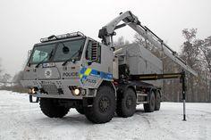 A cseh rendőrség nemrég olyan speciális Tatrát állított forgalomba, melynek feladata a veszélyes anyagok szállítása.