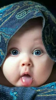 So cute baby :):):)♥♡♥♡♥♡ So Cute Baby, Cute Baby Pictures, Baby Kind, Baby Love, Cute Kids, Funny Pictures, Simple Pictures, Precious Children, Beautiful Children