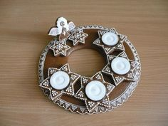 Christmas Gingerbread, Pavlova, Crochet Earrings, Candle Holders, Wreaths, Candles, Gifts, Food, Biscuits
