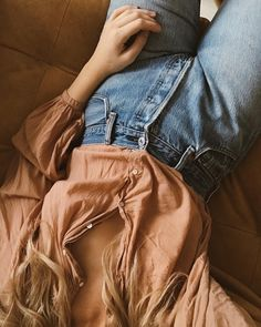 Dôen Jane blouse in toffee paired with vintage Levi 501s