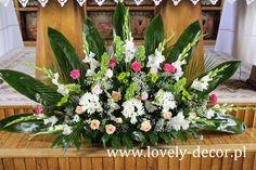 Funeral Floral Arrangements, Tropical Flower Arrangements, Creative Flower Arrangements, Ikebana Flower Arrangement, Church Flower Arrangements, Beautiful Flower Arrangements, Altar Flowers, Church Flowers, Funeral Flowers