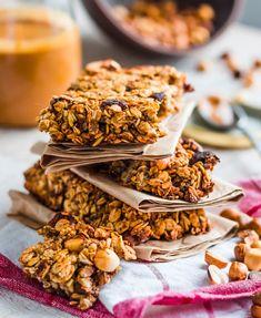Das Brot enthält Körner, Nüsse und Samen, ist vegan sowie glutenfrei und reich an Proteinen. Der ganz besondere Clou sind die enthaltenen Flohsamenschalen....