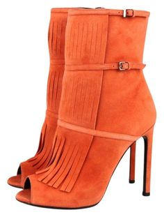 Gucci Suede Fringe Becky Gladiator Peep Toe Orange 39/9 347283 6525 Boots. Get the must-have boots of this season! These Gucci Suede Fringe Becky Gladiator Peep Toe Orange 39/9 347283 6525 Boots are a top 10 member favorite on Tradesy. Save on yours before they're sold out!