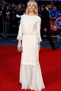 Look red carpet de Sienna Miller.