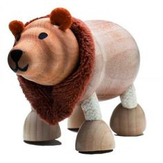 The Anamalz Brown Bear forms part of the What do Animals do in the Winter? TOT and KIDDIE boxes from beebeebox - R90 | beebeebox.co.za