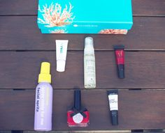 Gemsmaquillage's shoot of this month's Glossybox: their seaside theme is soooo pretty, love the box!