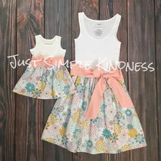 Mommy & Me Dresses Maxi Mommy and Me by JustSimpleKindness Mommy And Me Dresses, Mommy And Me Outfits, Baby Girl Dresses, Dress Girl, Mother Daughter Matching Outfits, Mother Daughter Fashion, Matching Family Outfits, Baby African Clothes, Diy Dress