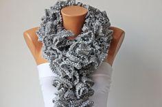 Ruffle scarf scarf acrilyc yarn crochet scarf in by SenasShop
