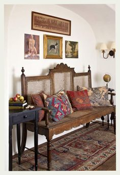 The rich and intricate #patterns of #Indian accents can have a magical effect on a simple #livingroom. Don't you agree?