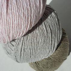 Delikate farger av #Allino 50 % lin og 50 % bomull.  Hva vil du strikke av dette? En topp? Kluter? Håndklær? Duk?  #strikkinnom #strikkinnomfarger #BCgarn #strikkinnom_pasteller Instagram Posts, Threading