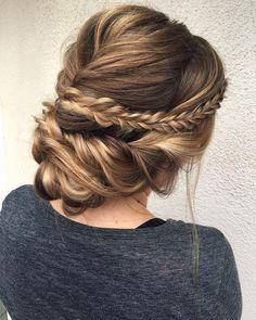 Gorgeous boho bridal hairstyle to inspire your big day! | I Take You // hair by : Sara Vanderstelt #weddinghairstylesboho