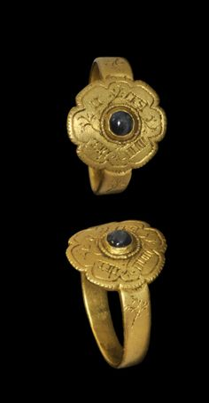 Gold Inscribed Cabochon Ring, 15th century A.D.