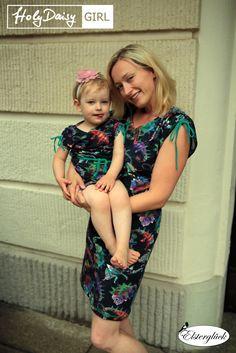 Elsterglück: Mutter-Tochter-Look mit Holy Daisy als Sommerkleid