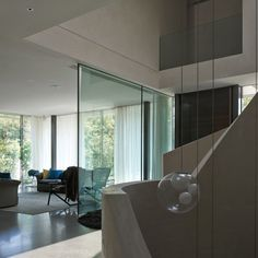 Stone house the house is divided into a living wing and a - La maison ah au bresil par le studio guilherme torres ...