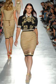 Elena Mirò Milano - Spring Summer 2012 Ready-To-Wear - Shows - Vogue. Curvy Fashion, Modest Fashion, Look Fashion, Plus Size Fashion, Curvy Outfits, Stylish Outfits, Plus Size Outfits, Cool Outfits, Stylish Clothes