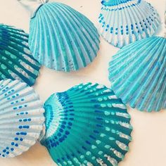 Beach ornaments set of boho hand painted, blue & green or custom color of your choice. Beach Ornaments, Shell Ornaments, Hand Painted Ornaments, Snowman Ornaments, Christmas Ornament, Christmas Tree, Seashell Painting, Seashell Art, Painting On Shells