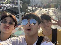 Kang Haneul, Mirrored Sunglasses, Mens Sunglasses, Korean Drama Movies, Ong Seongwoo, Kdrama, Pilot, Aviation, Travel