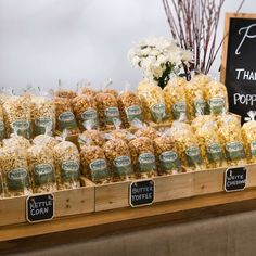 These Popcorn Favor Bags by the Case from Grand Rapids Popcorn Company go great in welcome bags and are perfect for late night wedding snacks.