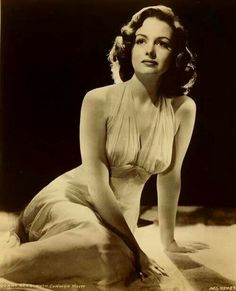 Donna Reed Hollywood Icons, Golden Age Of Hollywood, Vintage Hollywood, Hollywood Glamour, Hollywood Stars, Hollywood Actresses, Classic Hollywood, Old Movie Stars, Classic Movie Stars