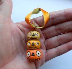 Pumpkin Stack Primitive Halloween ornament out of paper clay