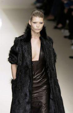 A black bear coat for Maege Mormont, Cerruti Bear Island, Bear Coat, House Stark, Black Bear, Style Inspiration, Couture, Game, Inspired