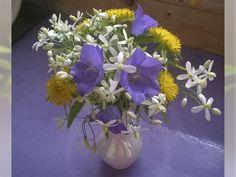 #Букет из дачных цветов    #Bouquet from country flowers  #Колокольчик, #седум, #клематис мелкоцветковый
