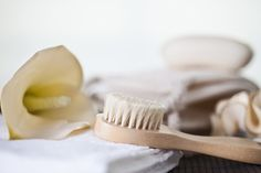 Your Guide to At-home Dry Skin Brushing http://ospa.me/1KLRAoE