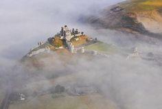 Castle Ruins, Medieval Castle, Corfe Castle, William The Conqueror, Castles In England, English Castles, Richard Iii, Beautiful Castles, Beautiful Places