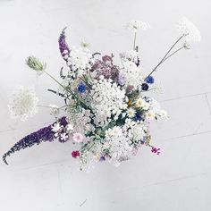 ...now I know why people get married in the summer! It's not the weather-it's the variety of flowersriiiight?!?!