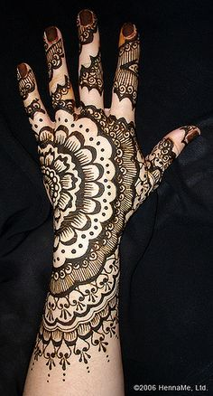 Lace inspired henna is especially fancy.