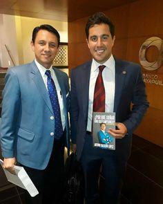 Via @sercampeones -  Cada día más líderes como Guillermo Enrique Lasso que conocen que un colaborador motivado es la mejor inversión se unen al mensaje positivo de mi libro POR QUÉ SOÑAR CON SER CAMPEONES? TUS SUEÑOS ESTÁN AL ALCANCE DE TU MANO! #sercampeones #liderazgodecalidad #viviraplenitud  @bancoguayaquil @guillermolasso @angelbustamanteoficial  #Leading