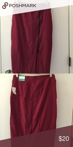 "Maroon skirt with side zipper.  27.5"" from waist. Maroon or wine colored pencil skirt. Maurices Skirts Pencil"