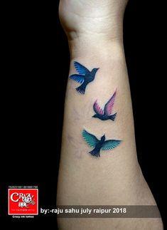 Small Flying Bird Tattoo Girls Ideas For 2019 Feather With Birds Tattoo, Bird Tattoo Wrist, Hummingbird Tattoo, Feather Tattoos, 3 Birds Tattoo, Birds Flying Tattoo, Nature Tattoos, Bird Tattoo Back, Tattoo Owl