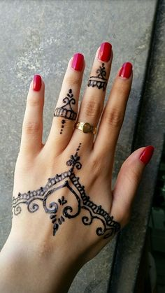 Simple henna tattoo designs on hand for girls and beginners 09012019 . - gunler- # beginner henna tattoo designs on hand for girls and beginners 09012019 . Henna Tattoo Hand, Henna Tattoo Bilder, Cute Henna Tattoos, Henna Tattoo Designs Simple, Henna Ink, Beginner Henna Designs, Mehndi Designs For Fingers, Easy Hand Henna, Tattoo Arm