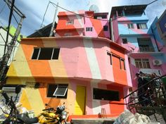 Favela Painting by Dutch artists Haas&Hahn #colores