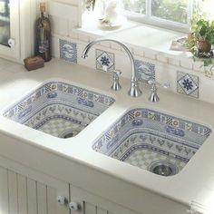 Genius small cottage kitchen design ideas036