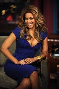 """Runway To """"The Late Show With David Letterman"""" – Beyonce Knowles In Elie Saab 