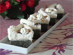 Bögrés mákos sütemény, vanília krémmel