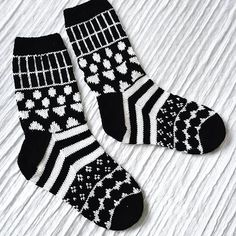 marisukat Marimekko, Knitting Socks, Winter Christmas, Knit Crochet, Sewing Diy, Knits, Inspiration, Fashion, Socks