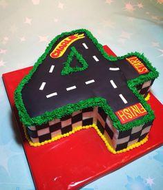 4 racetrack cake. Hot wheels