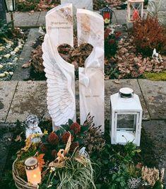 Church Altar Decorations, Grave Decorations, Tombstone Designs, Krystal, Granite, Headstone Ideas, Motivation, Memorial Park, Hearts