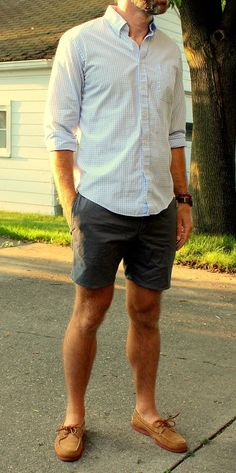 Simple summer outfit look, rocking the short inseam look