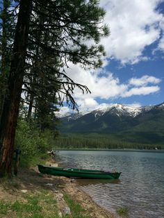 Are you planning on visiting Montana this summer? Here's some photos from our trip to Missoula and Western Glacier County and Glacier National park. Montana Lakes, Big Sky Montana, Visit Montana, Montana Living, Big Sky Country, Back Road, Vacation Spots, The Great Outdoors, Places To See