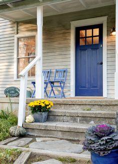 Ideas Cobalt Blue Front Door Colors For 2019 Exterior Paint Colors, Exterior House Colors, Exterior Doors, Cottage Front Doors, House Doors, Colonial Front Door, Traditional Front Doors, Garage Door Design, Garage Doors