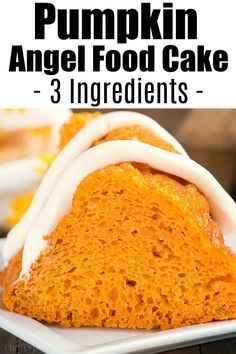 Have you tried pumpkin angel food cake yet? It's the perfect 4 ingredient dump c… Have you tried pumpkin angel food cake yet? It's the perfect 4 ingredient dump cake Fall dessert that's light and only 4 Weight Watchers points if you're counting those. Angel Food Cake Desserts, Angle Food Cake Recipes, Dump Cake Recipes, Köstliche Desserts, Delicious Desserts, Dessert Recipes, Pumpkin Angel Food Cake Recipe, Angel Food Cake Mix, Chocolate Angel Food Cake