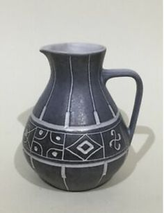 Studio Pottery - to add to black and white collection we are starting Mid Century Art, Mid Century Design, Salvage Hunters, Metro Retro, Antiques Online, Fritz Hansen, Vintage London, Mid Century Furniture, At Home Store