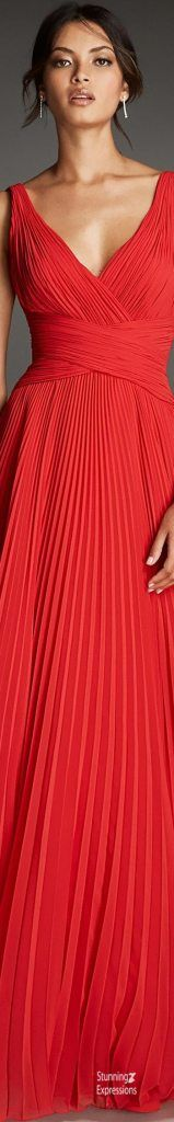 Red Fashion, Couture Fashion, Fashion Outfits, Glamour, Beautiful Gowns, Dress Collection, Lady In Red, Evening Gowns, Party Dress