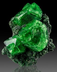 Cermikite (lab grown crystals) - Amazing Green Colour!!