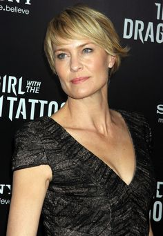 Robin Wright Penn Short Hair | Robin Wright Penn's Short Layered Razor Cut at the NYC Premiere of ...